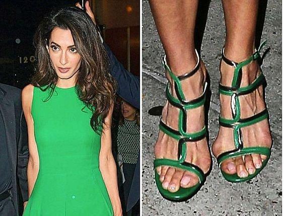 Amal Clooney a její peripetie s botami.
