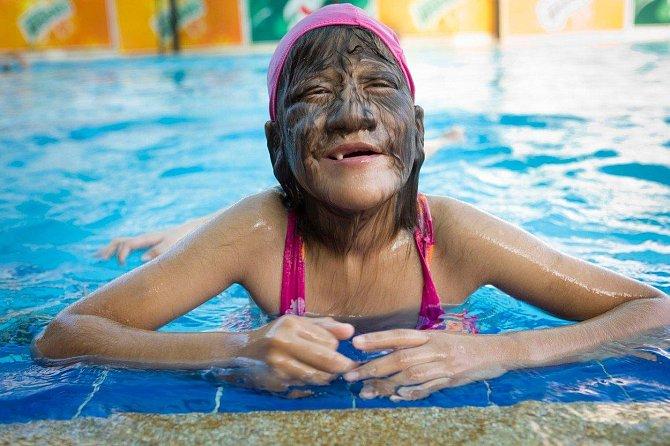 Supatra žije život normální thajské dívky.