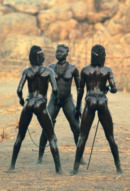 Tyto ženy jistě netráví hodiny dřepováním ve fitku...