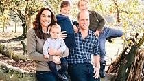 Nejnovější fotka, kterou zveřejnil Kensingtonský palác. Komu se děti podobají?