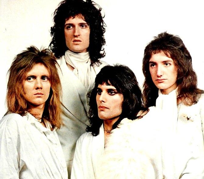 Ve čtyřiadvaceti byl položen základ kapely Queen.