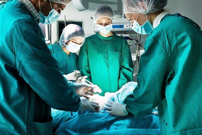 U více než dvou třetin pacientů je nutná operace.