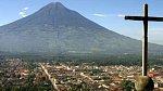 Guatemala, Střední Amerika – Tato oblast je vyhledávaným cílem turistů. Ti sem ale jezdí s tím rizikem, že jim kdykoliv může dovolenou zhatit některá z přírodních katastrof, a sice hurikány, zemětřesení nebo sesuvy půdy.