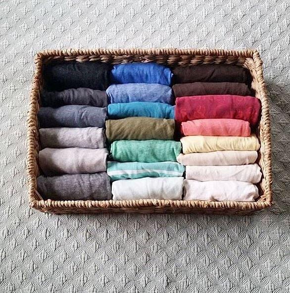 Krabičky, pořadače, košíky využijete na uskladnění i těch nejmenších kousků z šatníku.