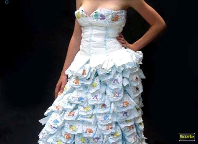 Nebo si z nich rovnou udělala celé šaty