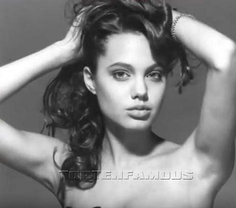 Angelina ve svých čtrnácti letech...