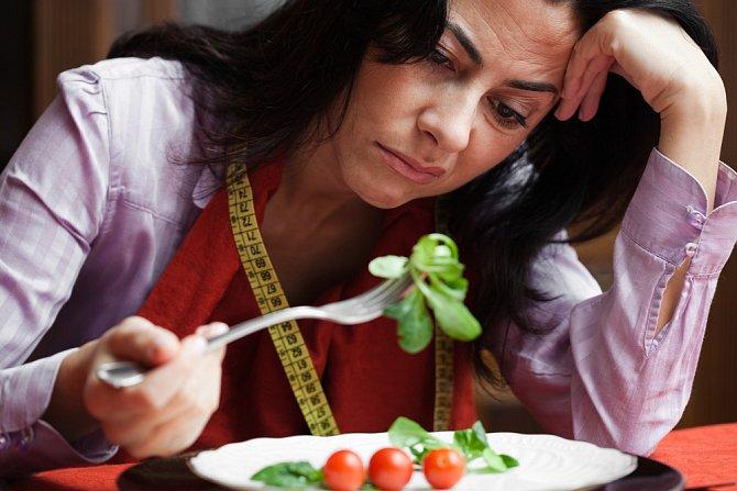 Zapomeňte na zázračné diety. Fungují, ale mívají jo-jo efekt. Změnit musíme celkový životní styl.