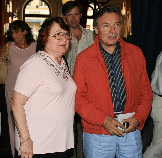 Karel Gott a matka Dominiky Antonie Zacpalová