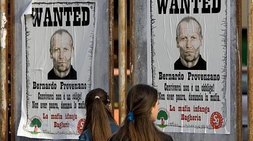 <p>Boss všech bossů sicilské mafie Bernardo Provenzano prchal před spravedlností 43 let.</p>