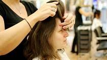 Eva v péči kadeřnice