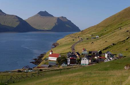 <p>Na ostrovech žije asi tolik obyvatel jako v moravském Znojmě.</p>