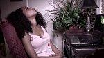 Po odeznění jednoho orgasmu má na několik desítek minut klid.