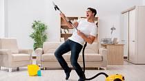 O domácí práce se musíte podělit.