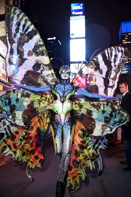 Úžasný kostým motýla, do kterého Heidi převlékali několik hodin.