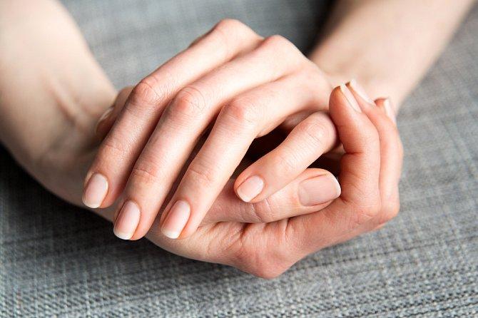 Přírodní nehty