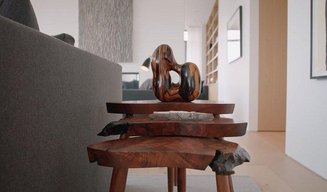 Jako tyto designové stolečky.