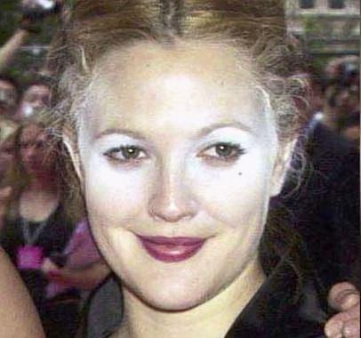 Drew Barrymore - ten, kdo jí dělal make-up, by zasluhoval oholit dohola! :-)