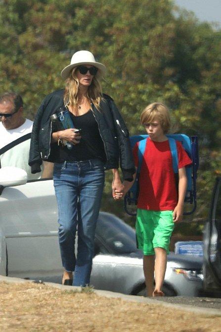 Julia miluje své děti a věnuje jim co nejvíce času to jde.