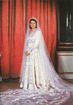 Svatební šaty královny Alžběty, když se v roce 1947 vdávala za Philipa.
