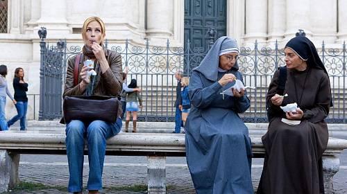 <p>Julia Roberts si vychutnává italskou zmrzlinu.</p>