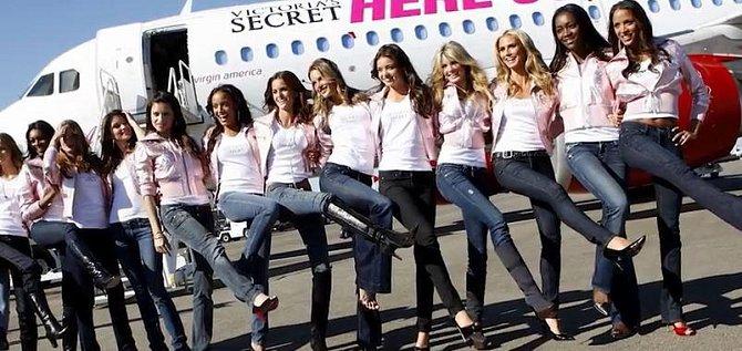 4. Dokážete si představit, že strávíte několik hodin letu obklopeni legendárními andílky Victoria Secret?