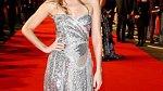 Dakota Johnson vyznává jednoduchý styl, klasické barvy, jemnou provokaci a pohodlí.