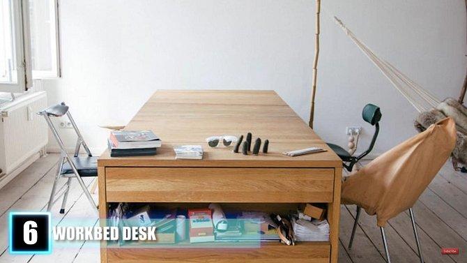 Stůl přestavitelný v postel.