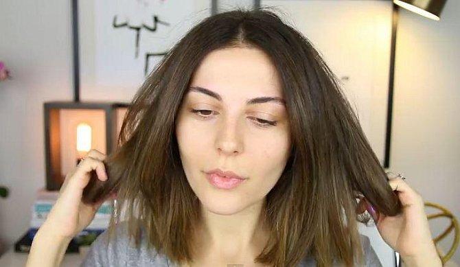 Samozřejmě nezapomeňte na úpravu vlasů, které jsou korunou krásy!