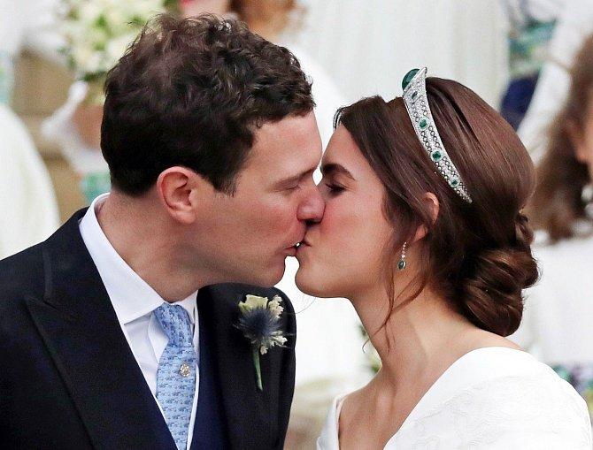 Svatba je jediná příležitost, kdy si pár z královské rodiny smí projevovat lásku na veřejnosti.