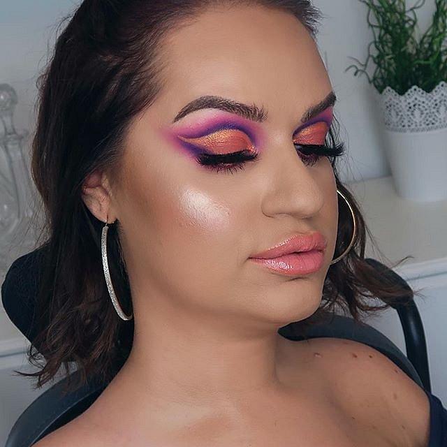 Tess Daly překonala hendikep a válcuje sociální sítě se svými kosmetickými tutoriály.