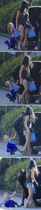 Ani slavným rodičům se přešlapy nevyhýbají. Takto dostala dcerka Kim Kardashian od maminky dveřmi od auta.