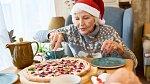 Pro babičky, které mají rády jídlo bude skvělý dárkový koš.