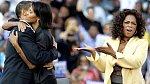 Oprah Winfrey a Obamovi během kampaně v roce 2008