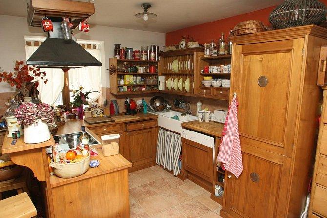 Kuchyň si Světlana dovezla z předešlého domu, který opustila kvůli rozvodu.
