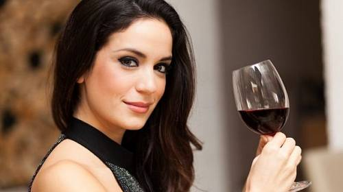 Ženy pozor na alkohol.