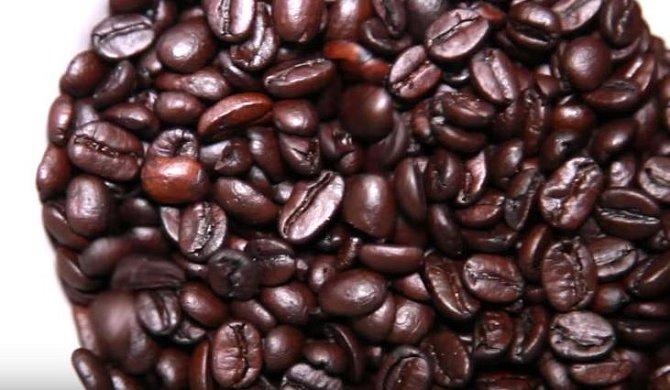 Důležité je použít kvalitní zrnkovou kávu.