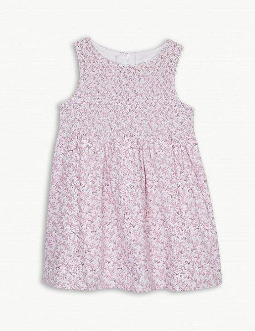 Světle růžové šaty stály 45 GBP.