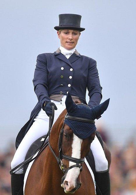Zara Tindall je velkou milovnicí koní. Kvůli sportovní kariéře si nechala své původní jméno Zara Phillips
