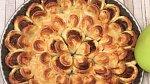 Sýrový koláč - Co budete potřebovat: 300 gramů mletého hovězího masa, 1 lžíce rajčatového protlaku, bazalka, 1 lžička celozrnné hořčice, pepř, sůl, 400 gramů sýru Comté a mléko