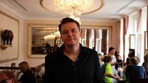 Petr Kolečko přijel do Varů s filmem Zbožňovaný