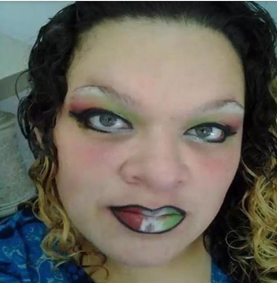 Tak tento make-up se skutečně nepovedl...