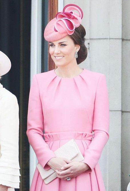Existují dohady, je-li krásnější vévodkyně Kate nebo princezna Sofia.
