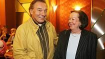 Yvonne Přenosilová s Karlem Gottem
