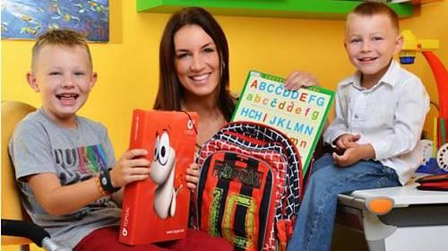 Horký kafe ze světa celebrit: Které hvězdy odvedly své děti do škol?