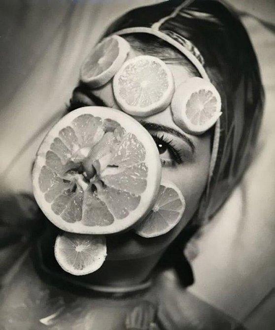 Ovocná maska ve třicátých letech.