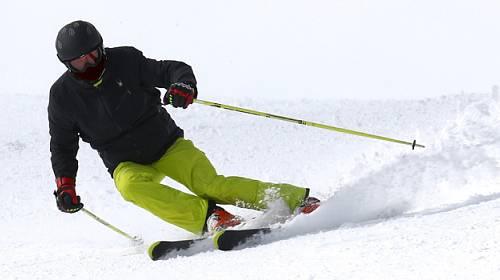 Češi zimní sporty provozují, ale spíše ty méně fyzicky náročné
