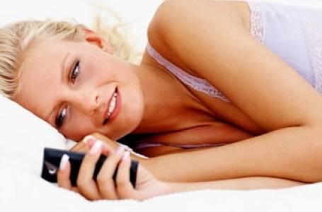 """Erotické SMS: Pikantní """"mobilní"""" sex!"""