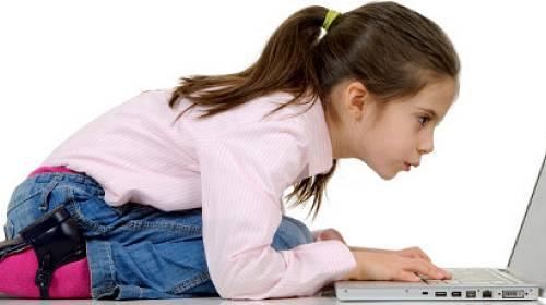 Prázdninové nástrahy internetu: Jak ochránit dítě?