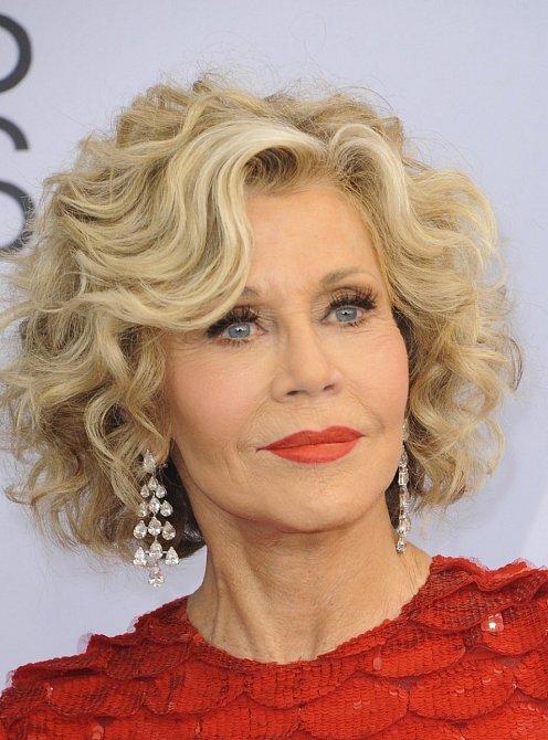 Jane Fonda opět překvapila svým mladistvým vzhledem.