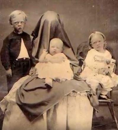 DĚSIVÉ historické snímky, které vás OPRAVDU NENECHAJÍ V KLIDU!